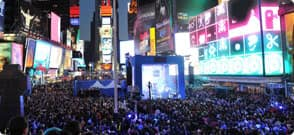 Nokia Lumia 900 Takes Flight in Times Square